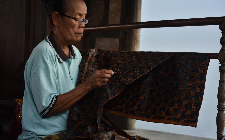 Prosa Kehidupan dalam Selembar Batik